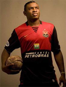 Atacante Obina Palmeiras