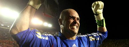 Goleiro Marcos vibra após os penâltis Contra o Sport Libertadores 2009