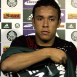 Lateral-direito Henrique é apresentado no Palmeiras