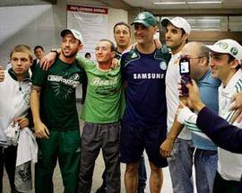 Torcedores prestigia o Goleiro Marcos após o jogo contra o Sport - Libertadores 2009