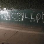 Torcida do Palmeiras picha muros do Palestra Itália após eliminação na Libertadores 2009