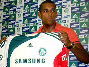 Atacante Robert do Palmeiras