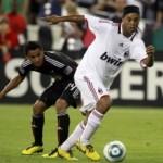 Palmeiras prepara proposta para contratação de Ronaldinho Gaúcho