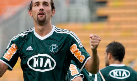 Atacante Hernán Barcos arranca elogios do técnico Luiz Felipe Scolari