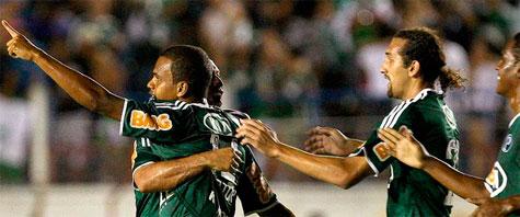 Palmeiras vence de virada sobre o Guaratinguetá e retorna a liderança do Paulistão 2012