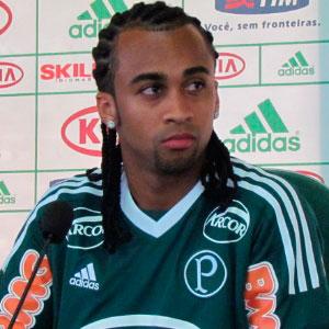 Palmeiras tera Wesley no banco de reserva nesse sabado