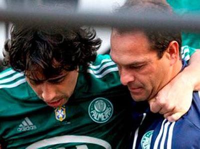 Valdivia desfalca Palmeiras depois da lesao no joelho