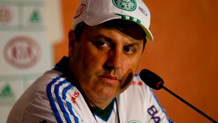 Gilson kleina pede reforcos da diretoria para o Palmeiras