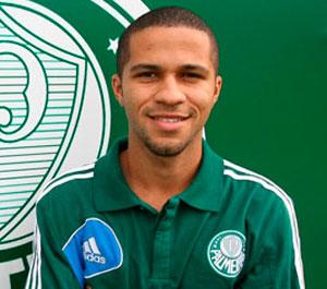 Palmeiras tem um novo reforco o meia atacante Serginho