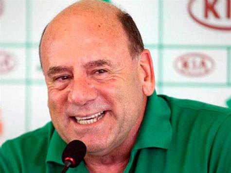 Brunoro ve elenco do Palmeiras com perfil de serie B e cre em melhora na situacao ate 2014
