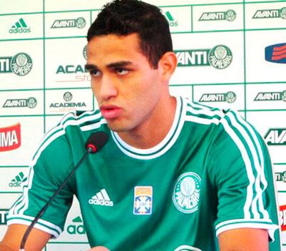 Alan Kardec fala de sua vontade de jogar no Palmeiras e cita idolos com prova