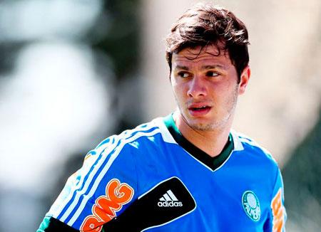 O atacante Kleber nao fica mais no Palmeiras e sera vendido para um time da Serie A ou do exterior