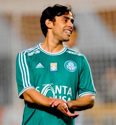 Valdivia da o show no jogo contra Icasa e Palmeiras recupera a lideranca no Campeonato Brasileiro da Serie B