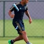 Palmeiras empresta o atacante Vinicius para o Vitória