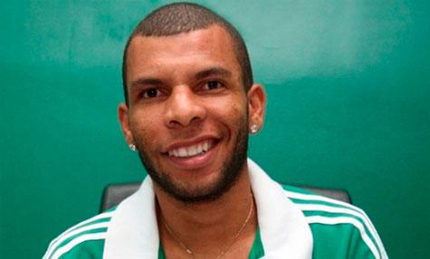Palmeiras anuncia o primeiro reforço para 2015 volante Amaral ex Goiás