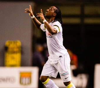 Palmeiras faz acordo com o Santos e é liberado o volante Arouca