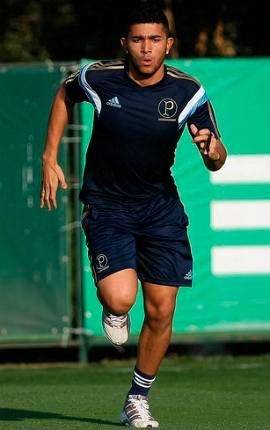 Palmeiras faz novo acordo com o lateral esquerdo Mateus Muller por mais três temporadas