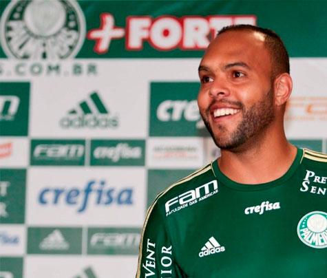Alecsandro ficará afastado do Palmeiras 40 dias por lesão