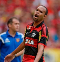 Palmeiras acerta contratação de Alecsandro