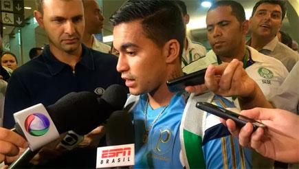 Atacante Dudu diz que não teve discussão no vestiário após derrota no Maracanã