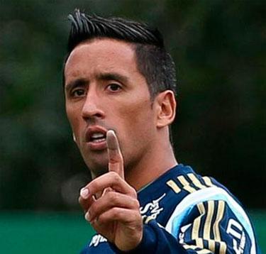 Lucas Barrios nega sua volta ao Colo Colo