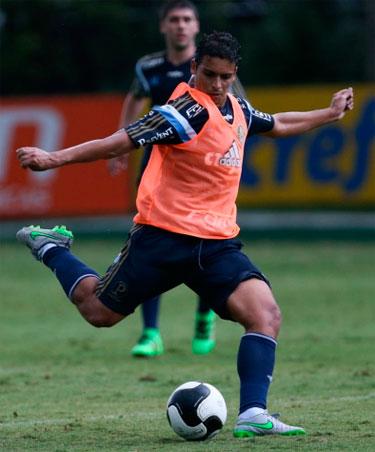 Palmeiras tem novo estreante contra o São Bento o volante Jean