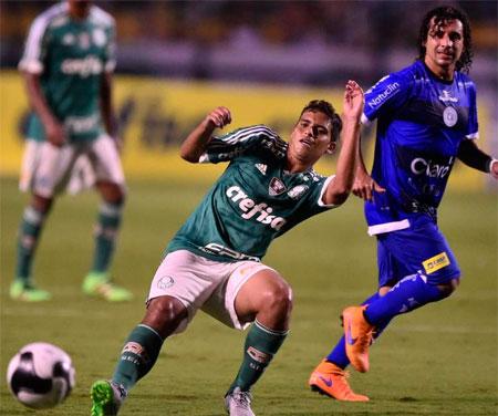 Tecnico do Palmeiras elogia o Jean e fala que a possibilidade de colocar ele como um titular