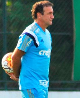 Técnico do Palmeiras reformula o elenco